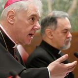 Критика папы из недр Ватикана: Кардиналы снова выступили против либеральной политики главного «брата» экуменистов