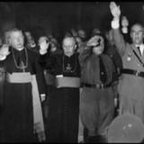 Фашисты – страшные затейники: Гиммлер планировал заменить православных русских «свидетелями Иеговы»
