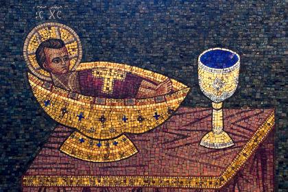 Митрополит Иларион не верит в Божественную силу Святого Причастия 2.jpg