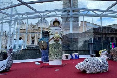 Сатанинский «вертеп» установлен в Ватикане 2.jpg